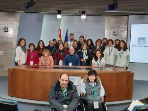 El grupo en la sala de prensa del edificio Portavoz