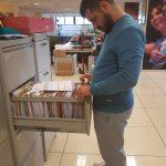 Victor ordenando archivos